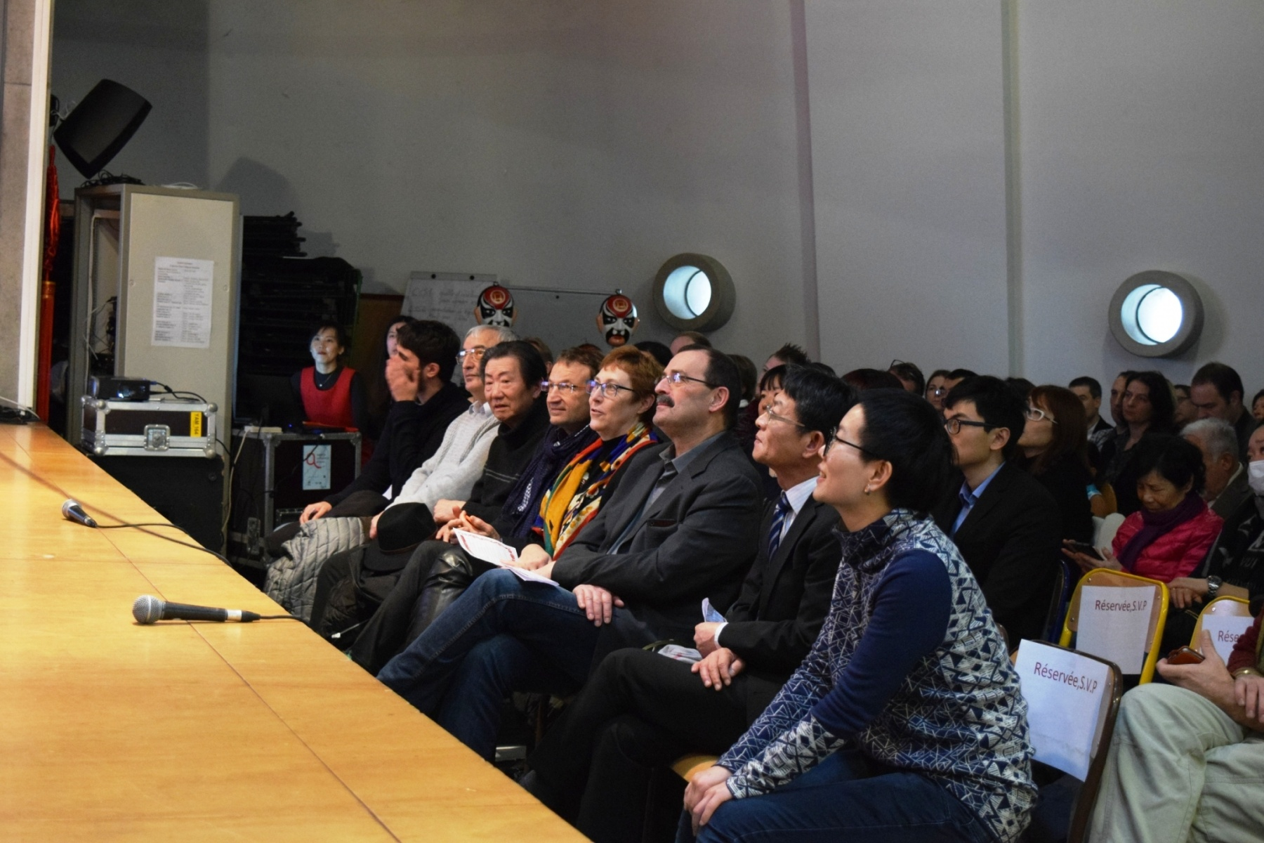 galerie le chant du coq annonce le d but du nouvel an chinois strasbourg institut. Black Bedroom Furniture Sets. Home Design Ideas